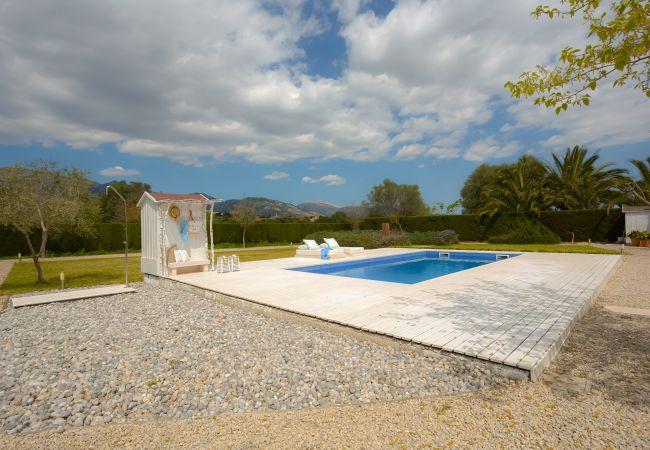 Baño exterior y piscina