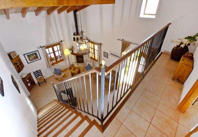Escaleras del piso superior