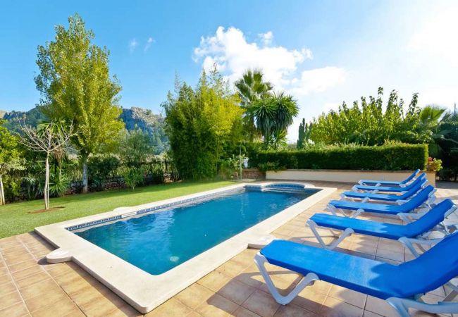 Amplio jardín con piscina en Pollensa