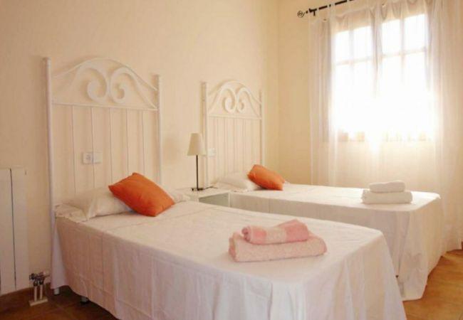 Doppelschlafzimmer von Finca zum Verkauf in Biniali