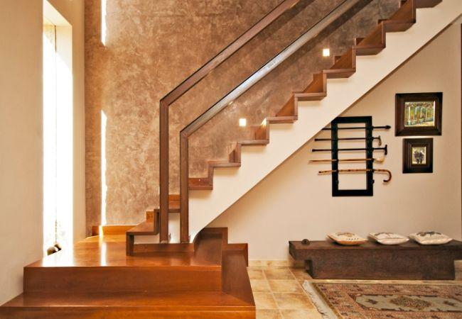 Helle und schöne Treppe