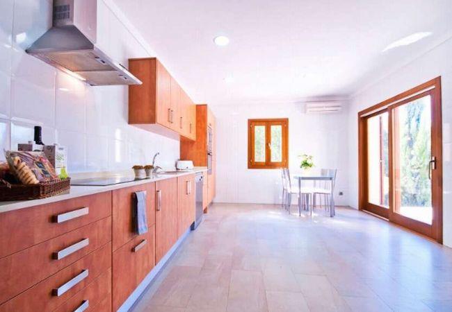 Voll ausgestattete Küche für 8 Personen
