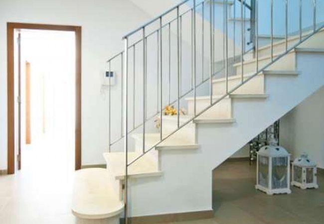 Treppen zum Obergeschoss