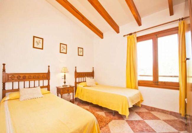 Schlafzimmer für 2 Erwachsene oder Kinder
