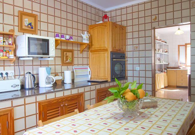 Küche und Speisekammer