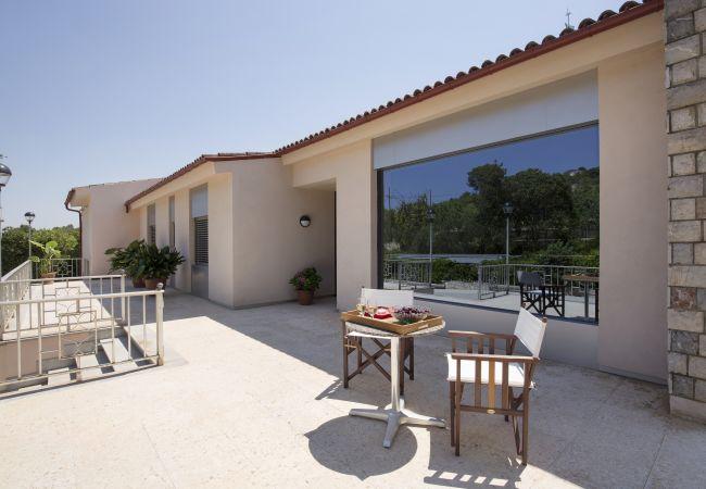 Terrasse mit Zugang zu den Schlafzimmern