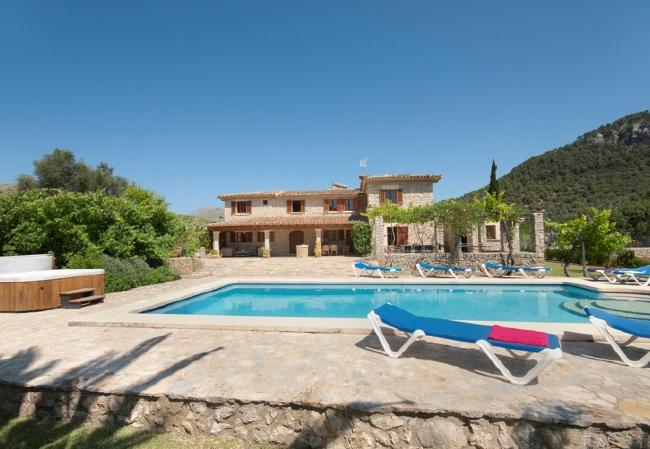 Country house in Pollensa / Pollença - APOSTOL