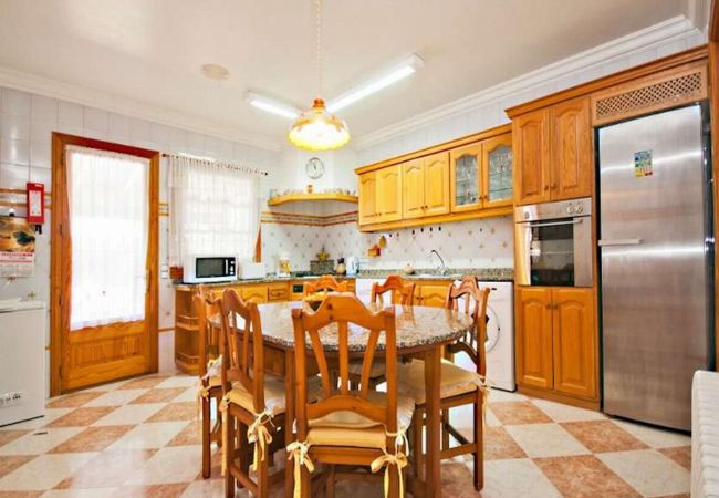 Fully equipped kitchen in Villa Rosaleda