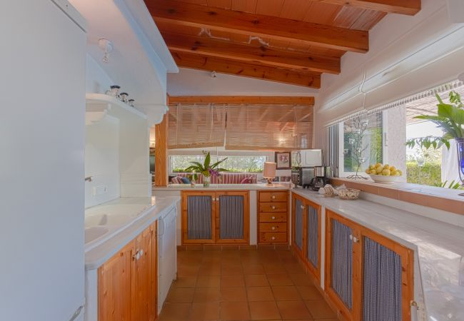 Nice completely equipped kitchen