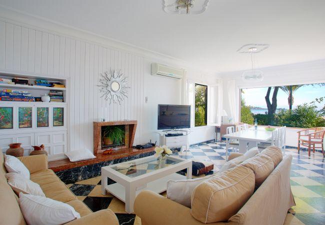 Living room overlooking the beach of puerto pollensa