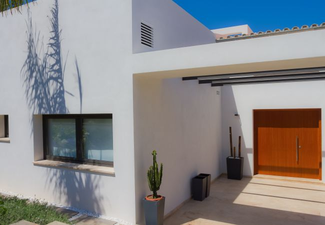 Main entrance to the property for sale in Alcudia