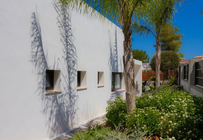 Fachada trasera de la propiedad en venta en Bon Aire